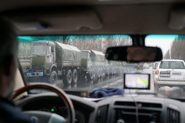 Військова техніка по дорозі до Луганська