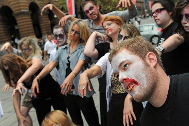 Парад зомбі на День без покупок 2015