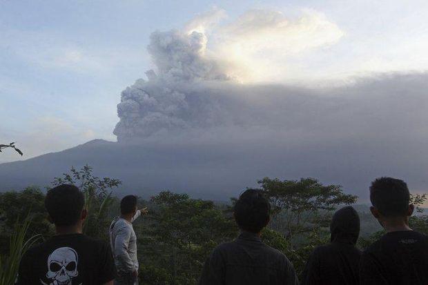 Вулкан, Балі, виверження