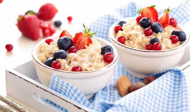Втрата зайвої ваги – ще одна причина, чому варто снідати вівсянкою