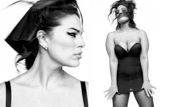 Ешлі Грем у зйомці для Vogue Italia