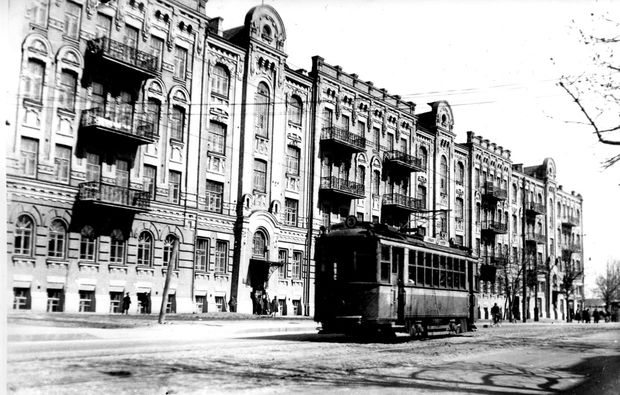 Будинок готелю Військово-Микольського монастиря