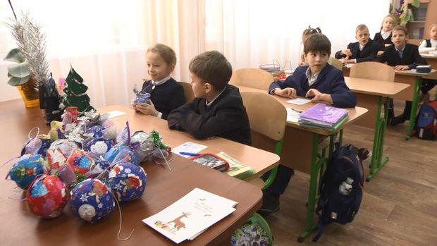 Школьники приготовили подарки детям погибших воинов АТО