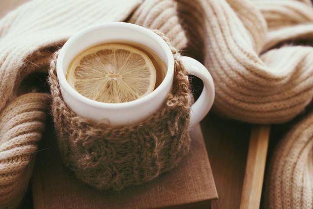 Пийте гарячу воду з лимоном та медом
