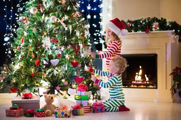 Діти 25 грудня чекають від Санта Клауса подарунків