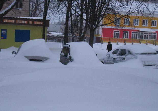 Чем очистить машину от снега