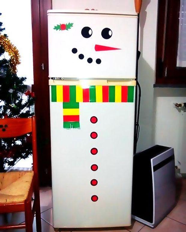Декор холодильника на Новий рік 2018