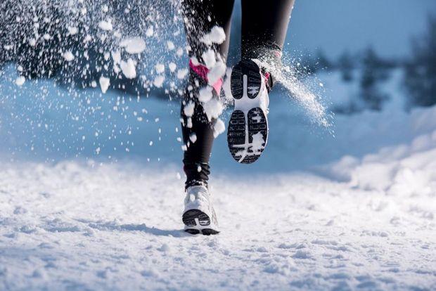 Перед бігом обов'язково потрібно зробити розминку