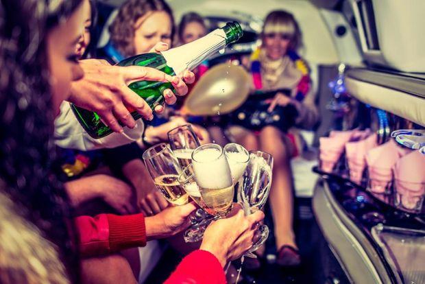 Кто сегодня не пьет и кому за руль