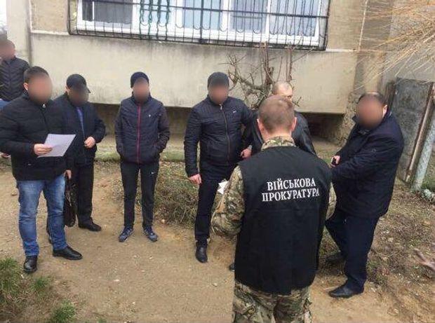 У Білгород-Дністровську затримали поліцейського