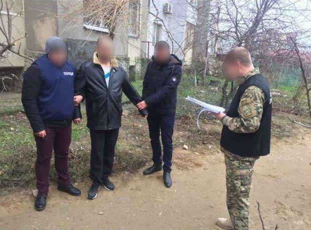 Військова прокуратура затримала поліцейського-хабарника