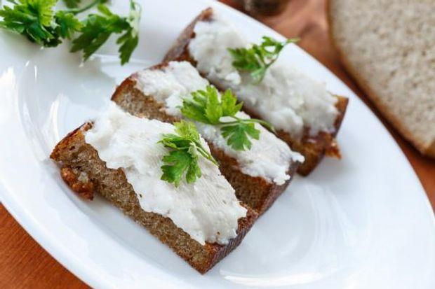 Рецепт закуски з сала та часнику на Старий Новий рік