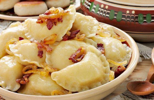 Вареники з картоплею та шкварками на Старий Новий рік