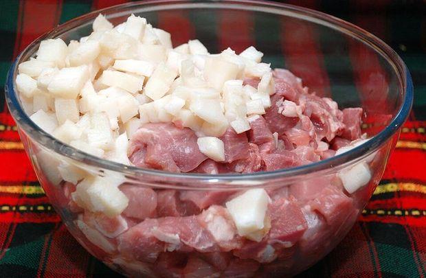 Фарш для домашньої ковбаси