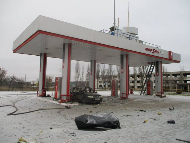 НаСумщині просто наАЗС уповітря злетіла іномарка: є постраждалий