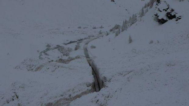 Рятувальники розчищають дорогу в Альпах