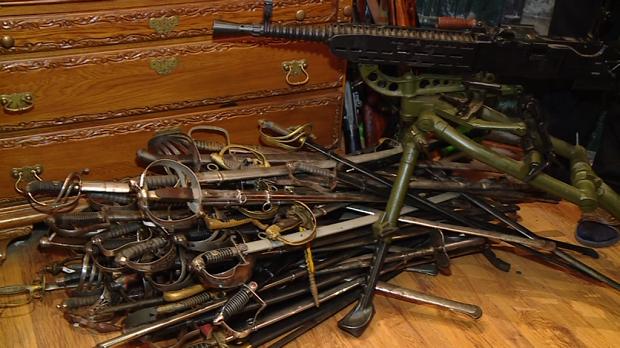 Зброя, яку вилучила у екс-керівника ГУ МВС у Запорізькій області