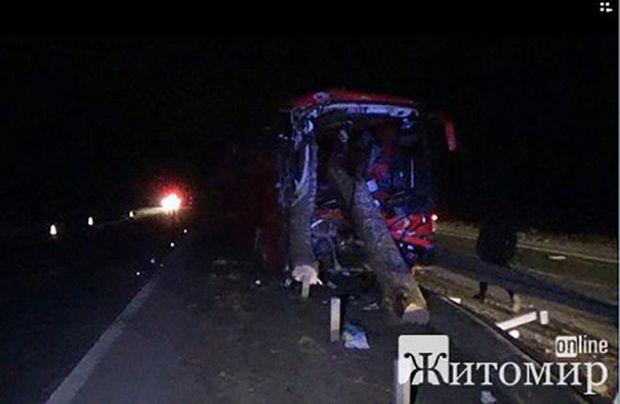 Фото з місця аварії на трасі Київ – Чоп