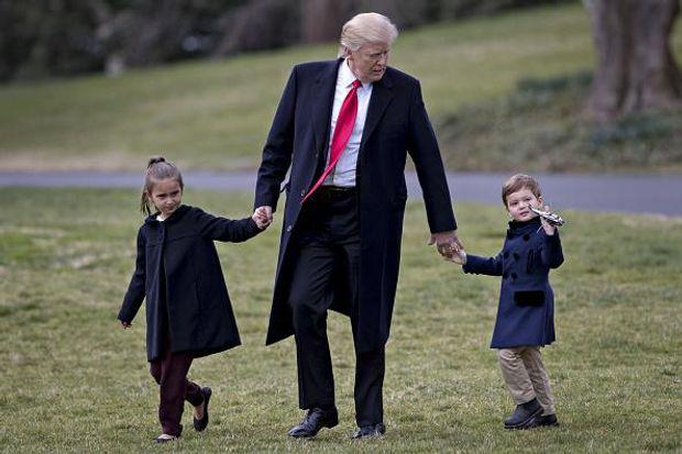 Дональд Трамп з онуками