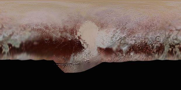 Гори на Плутоні, вкриті червоним снігом