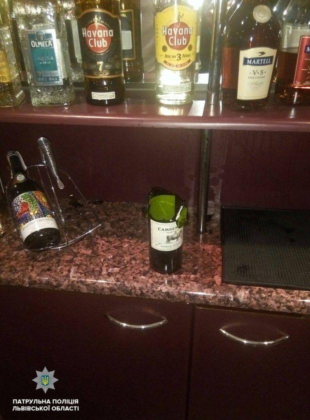 Чоловік відкрив стрілянину в одному з готелів Львова