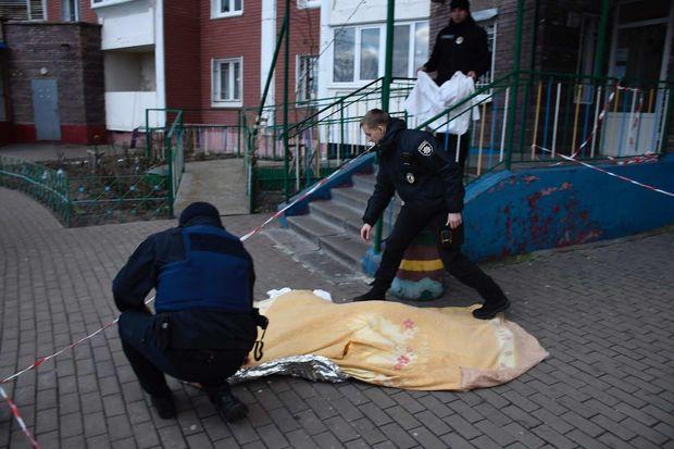 Донька викинула труп матері на вулицю у Києві
