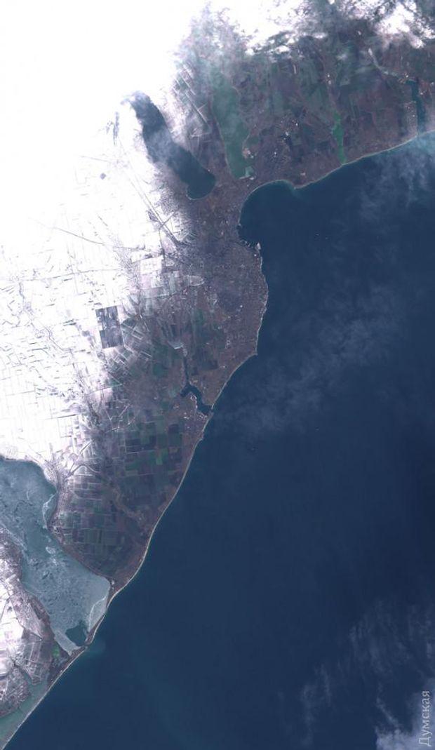 Зимова Одеса з космосу