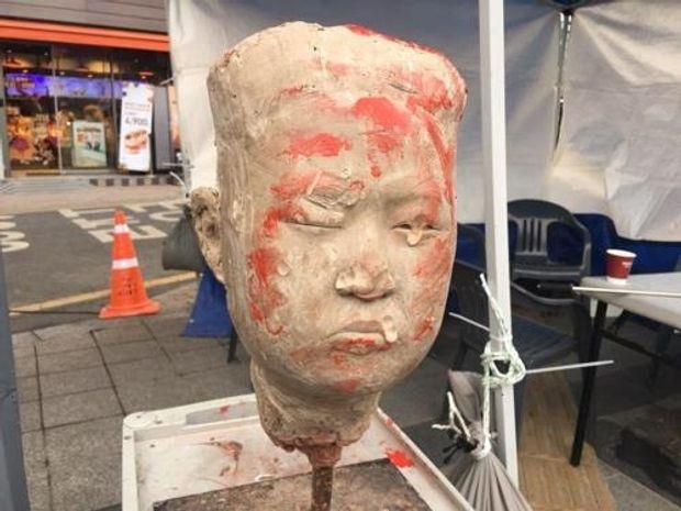 Южная Корея, КНДР, протесты