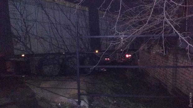 Вантажівка протаранила будинок на Одещині