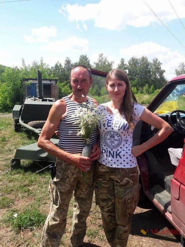 Сержант Василь Семченко із донькою Інною