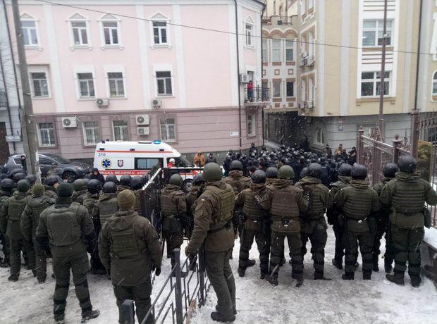 Під стінами Солом'янського райсуду Києва відбулась стрілянина