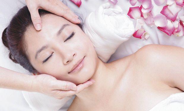 Щоденний масаж обличчя забезпечить пружність шкіри