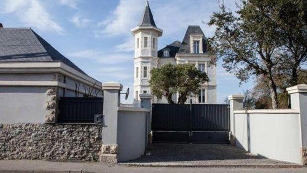 Активісти пікетували таємну дачу доньки Пуніна у Франції