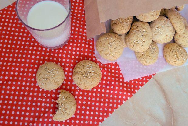 Рецепт медового печива з кунжутом