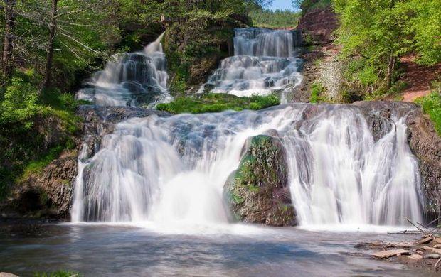 Джуринський водоспад влітку