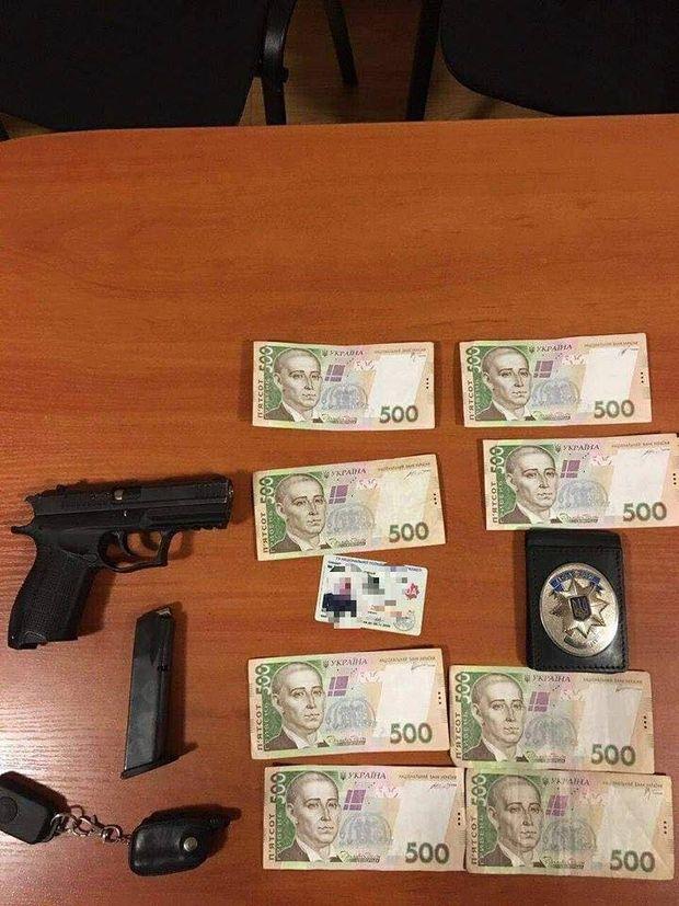 Лейтенант поліції прикривав наркобізнес у Києві