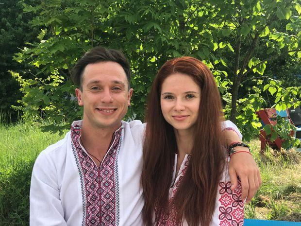 Биченко разом із коханою, яка була фігуристкою, живуть у США