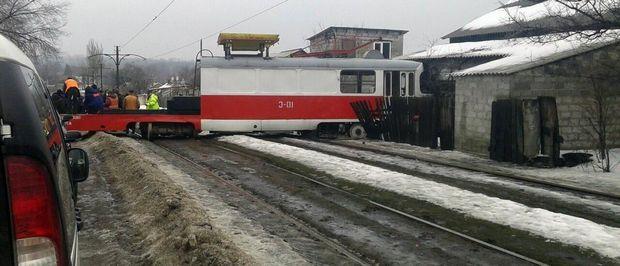 Трамвай врізався у будинок в Донецьку