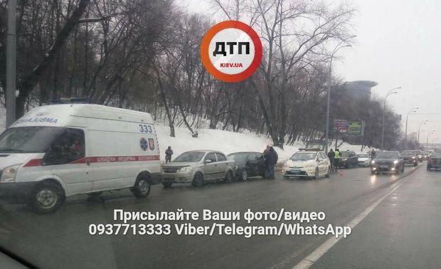 У Києві зіткнулось 7 машин