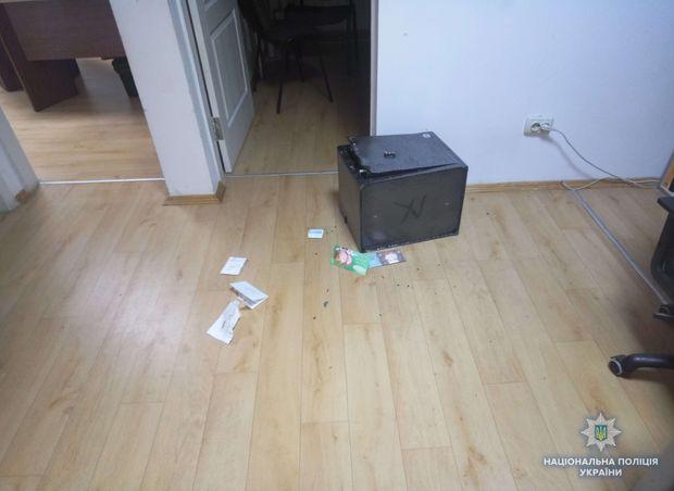 Поліція, Кримінал, Київ, пограбування, офіс