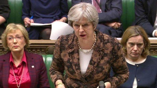 З трибуни британського парламенту прем'єр Тереза Мей прямо звинуватила Росію у замаху на життя Скрипаля та його доньки