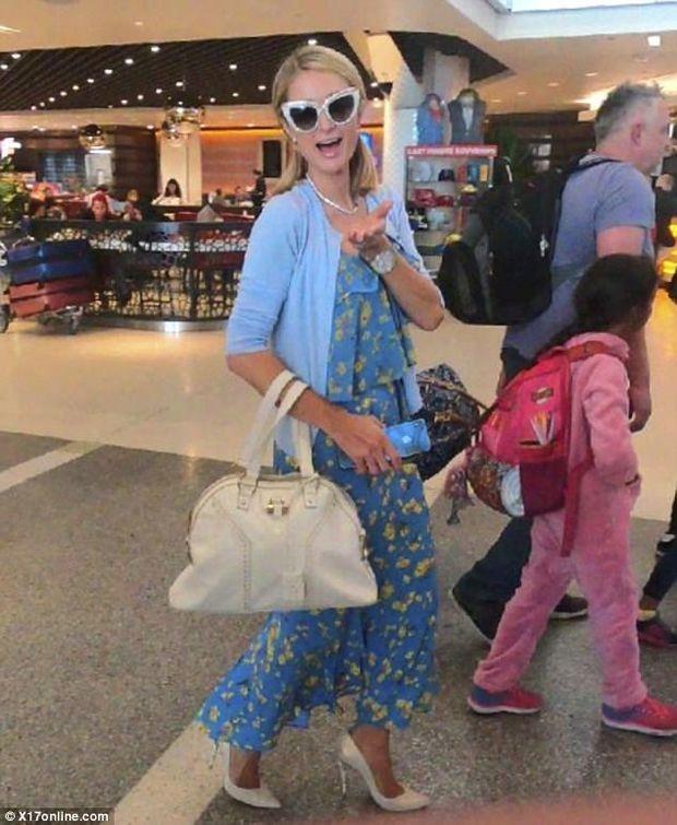 Періс Хілтон разом з нареченим полетіла до України: фото