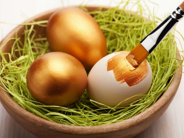 Як пофарбувати яйця в золотий колір на Великдень 2018