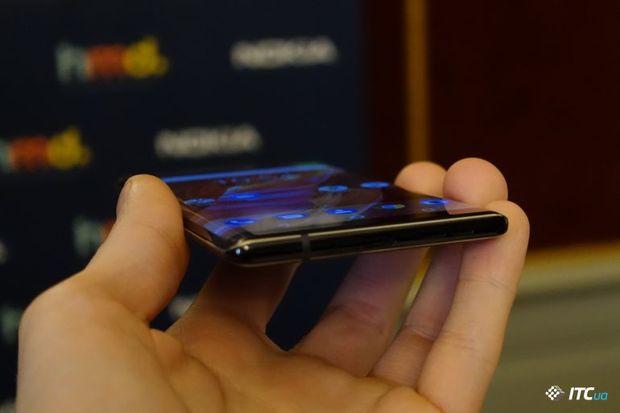 У продаж надійшли нові смартфони Nokia 8 Sirocco