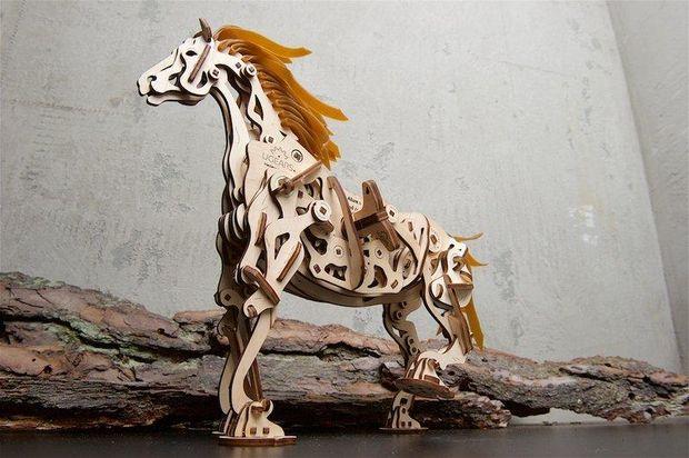 Механічний кінь від Ugears