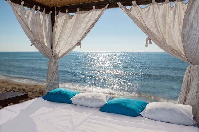 Лучшие пляжи Одессы и области для отдыха: цены, условия и фото
