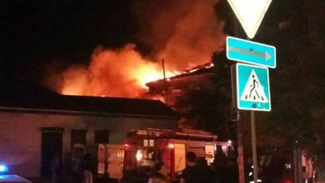 Траур в Херсоне: заживо сгорели мать и 2 маленьких детей