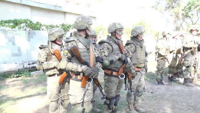 Как в Харькове учат курсантов боевой системе выживания воинов