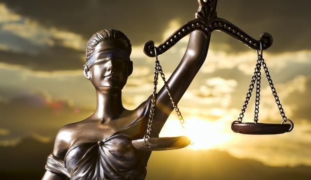 За попытку дать взятку Холодницкому арестован еще один судья