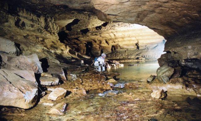 В США студент несколько дней прожил в пещере, где его просто забыли